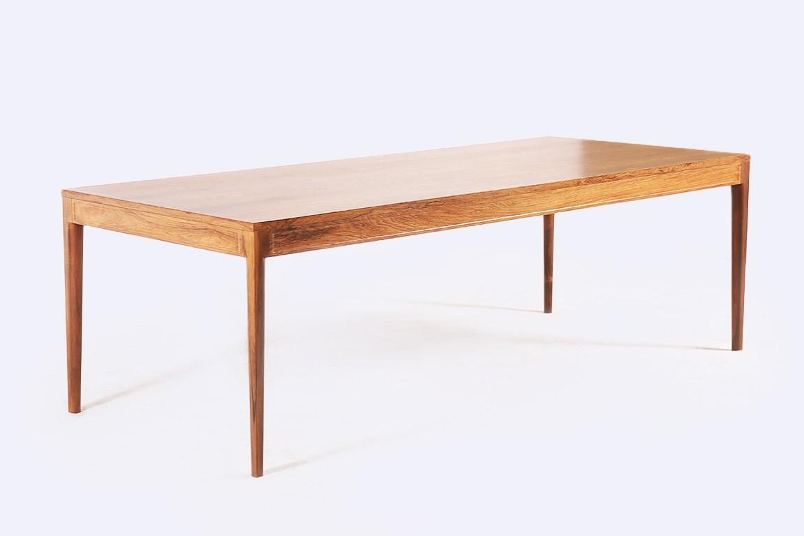 Finn juhl table diplomat en palissandre jasper for Table en palissandre massif